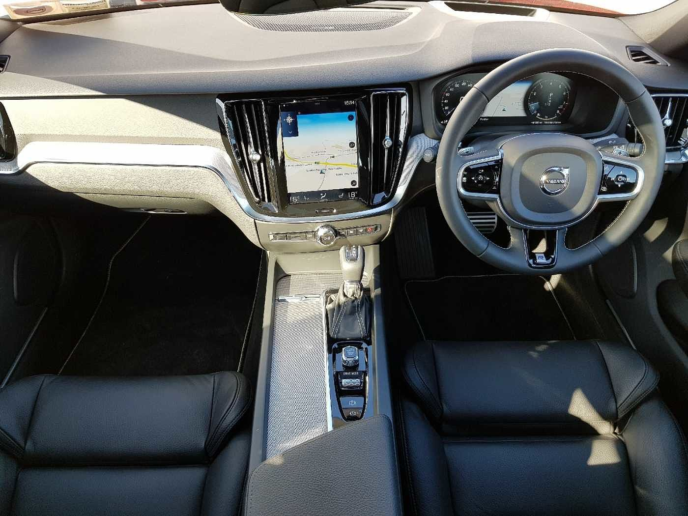 Volvo  T5 R-Design Auto (Panoramic Sunroof, Head Up Display, Adaptive Cruise)