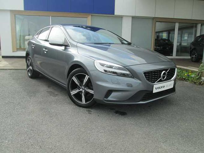 Volvo V40 D2 R-Design Manual ( Heated Seats, Cruise Control, City Safety)