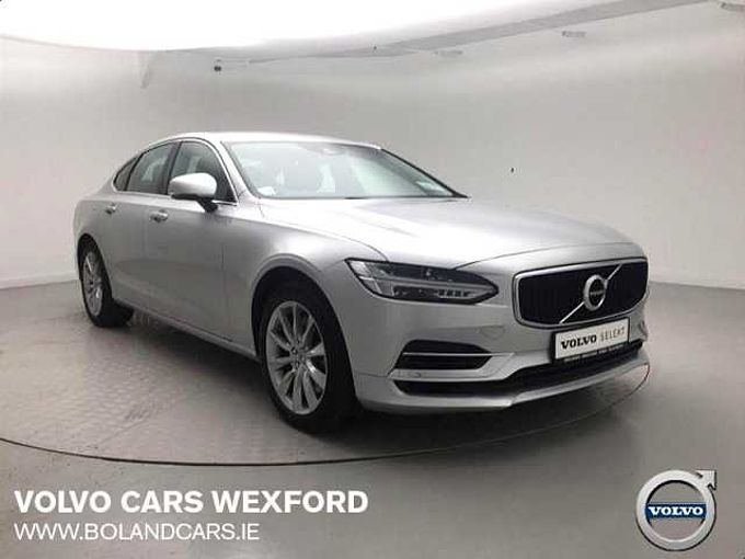 Volvo S90 T8 Twin Engine Momentum Automatic